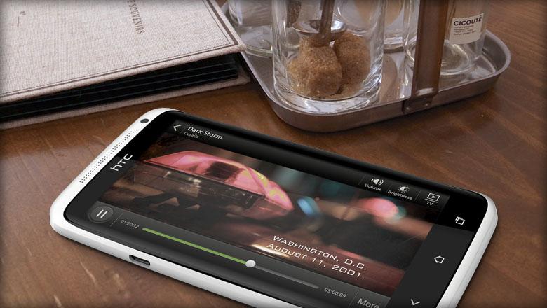 HTC One XL auf dem ein Video abgespielt wird